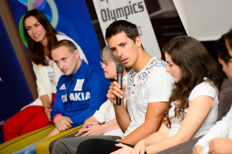 Matej podporil inkluzívnu talkshow
